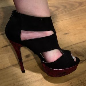 Black and pink snake skin platform heels